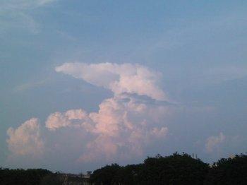雲10.08.16 002.jpg
